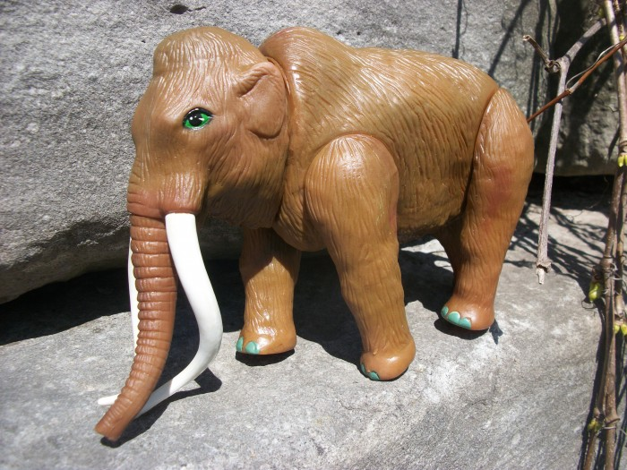 Woolly Mammoth  HG toys 1